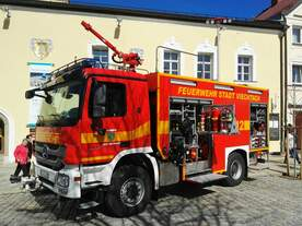 Mercedes Benz Actros 1846 TLF 20/40 SL Berufsfeuerwehr Viechtach am 26.03.2017 bei öffentlicher Präsentation