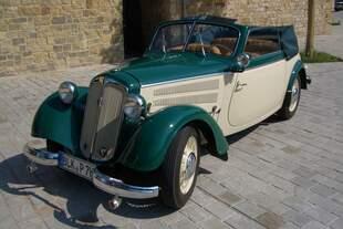 IFA F8 Cabrio (Gläserkarosserie) Baujahr 1954  Fahrerseite von vorn Verdeck offen  Aufnahme 04.06.2003