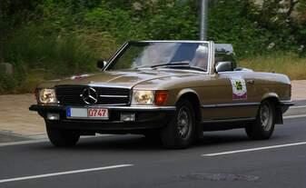 Rallye Stettiner Haff 2018 - Startnummer 26 - Mercedes Benz Typ R107 - 15.06.2018 - Bluthslusterstrasse / Anklam