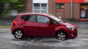 Hyundai, im Starkregen Herzogenrath am 16.08.2020
