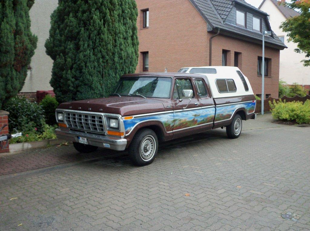 ford f 100 pickup truck der zweiten generation gebaut mitte der 1950er jahre auf der us car. Black Bedroom Furniture Sets. Home Design Ideas