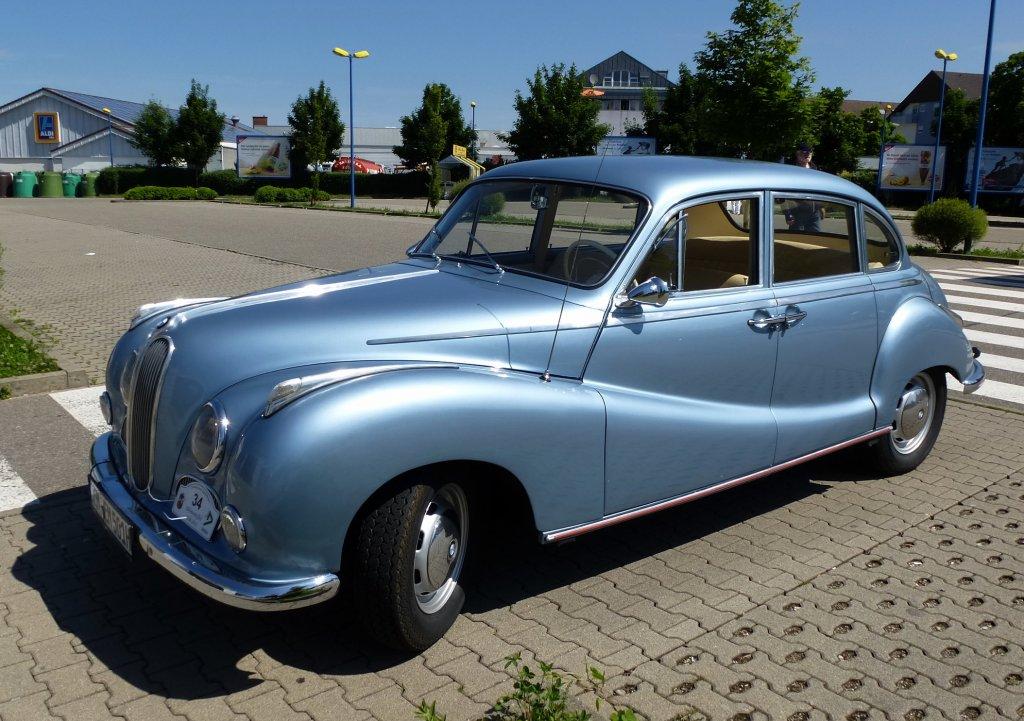 BMW 501, von 1952-64 gebauter Oberklassen-PKW ...