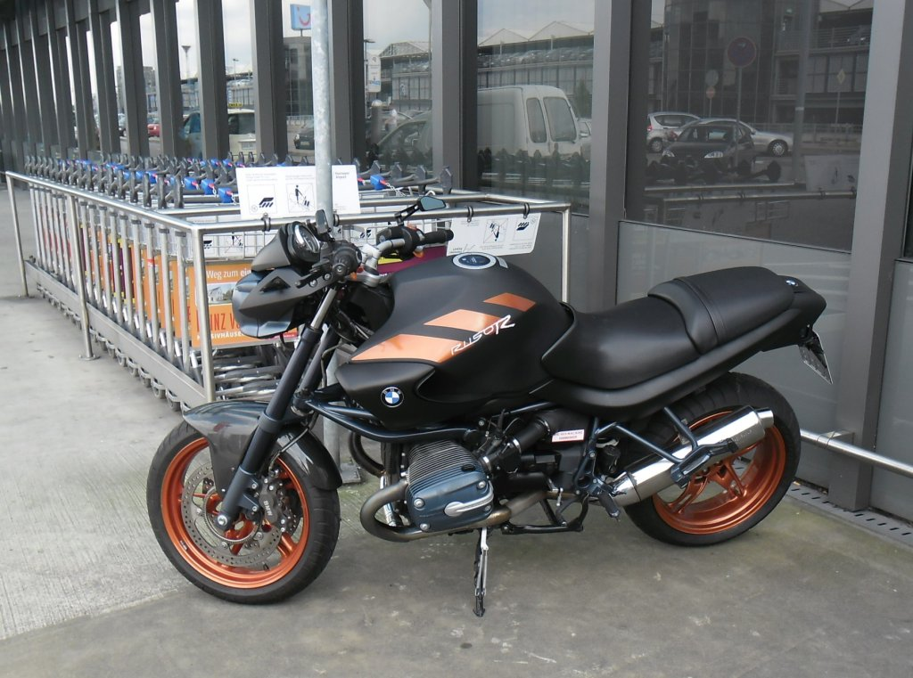 bmw motorrad am flughafen hannover am. Black Bedroom Furniture Sets. Home Design Ideas