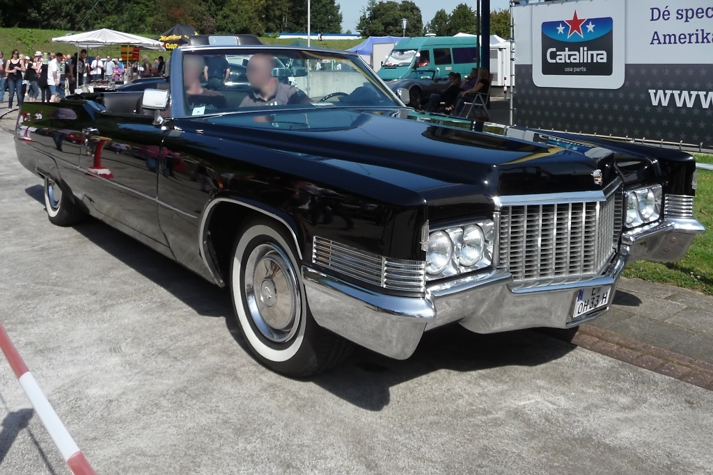 Cadillac DeVille convertible, US-Car-Show Grefrath 2011-08-21