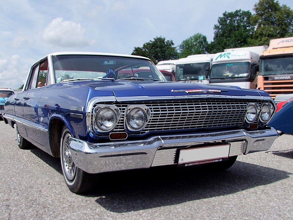 Chevrolet, Baujahr1963 nimmt