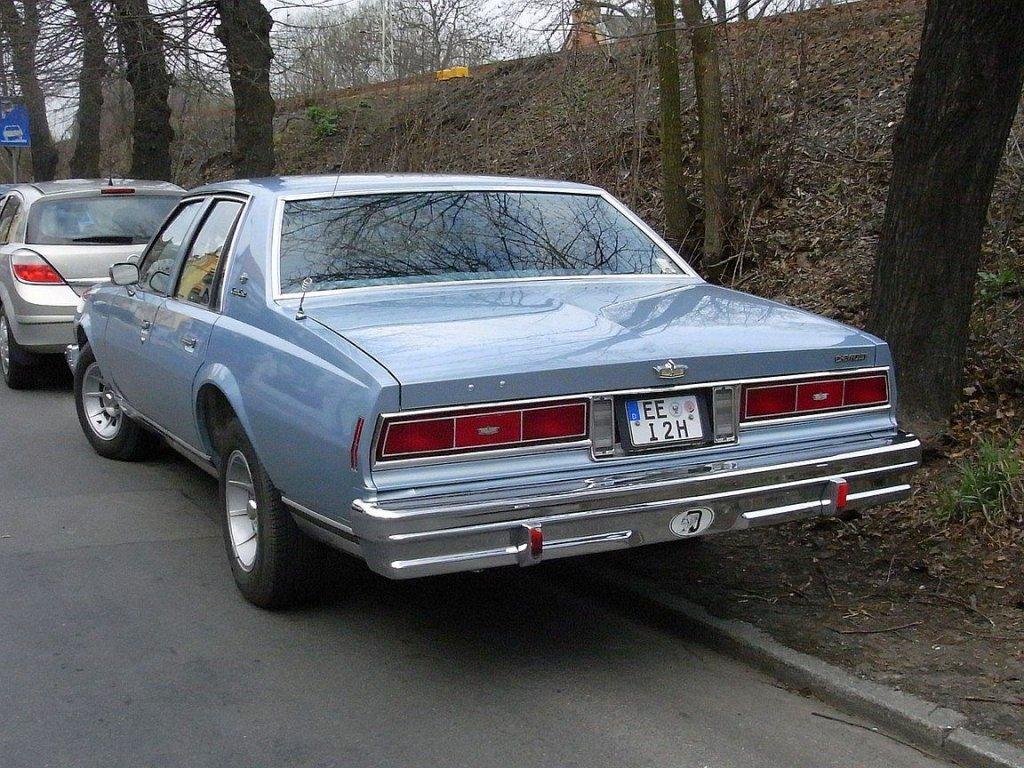 Sonstige Chevrolet Caprice Classic mitte 80er Jahre, Heckansicht