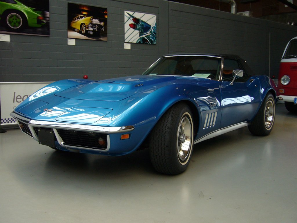 chevrolet corvette c3 stingray convertible des jahrganges 1969 die c3 corvette wurde 1967. Black Bedroom Furniture Sets. Home Design Ideas