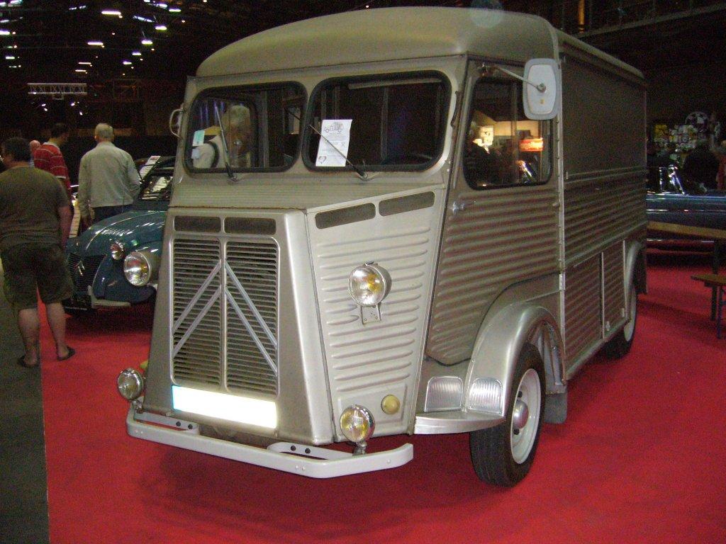 citroen typ h 1947 1981 der transporter mit dem markanten design war 34 jahre im. Black Bedroom Furniture Sets. Home Design Ideas