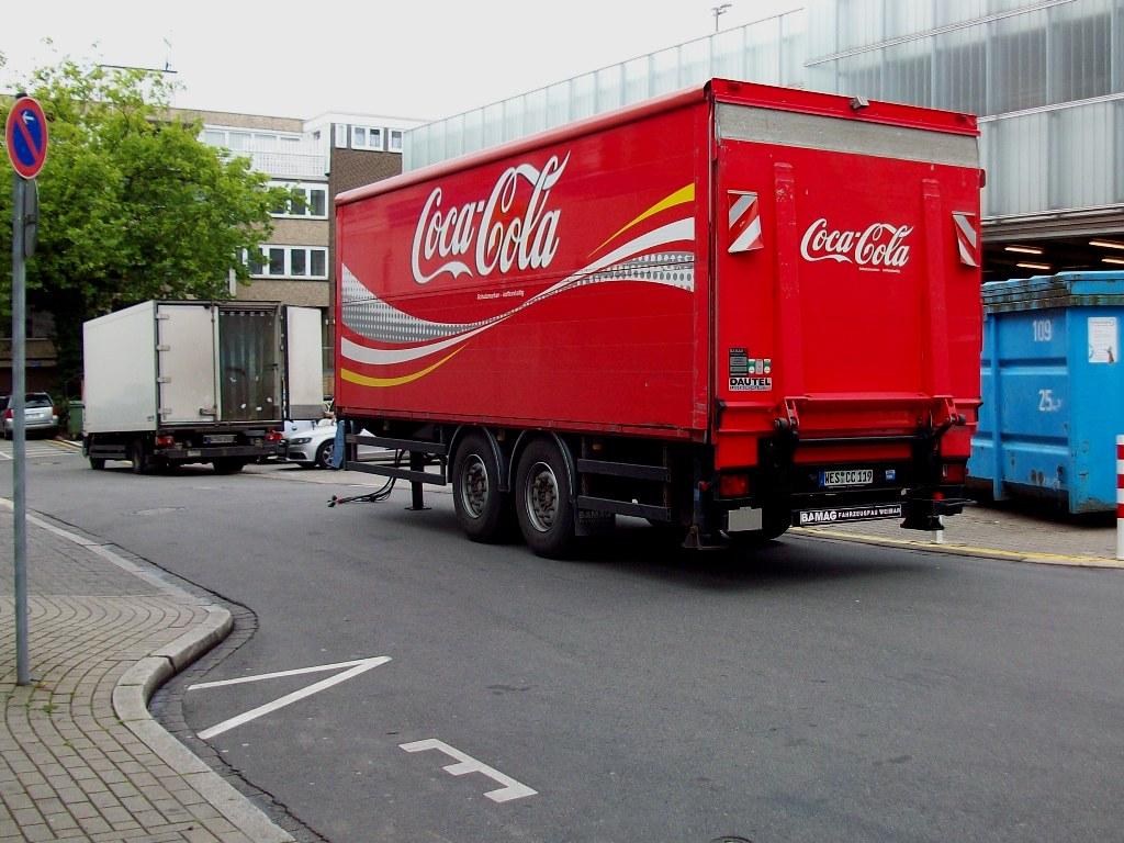 coca cola tandem anh nger mit hebeg hne abgestellt in herten 22 07 2011. Black Bedroom Furniture Sets. Home Design Ideas
