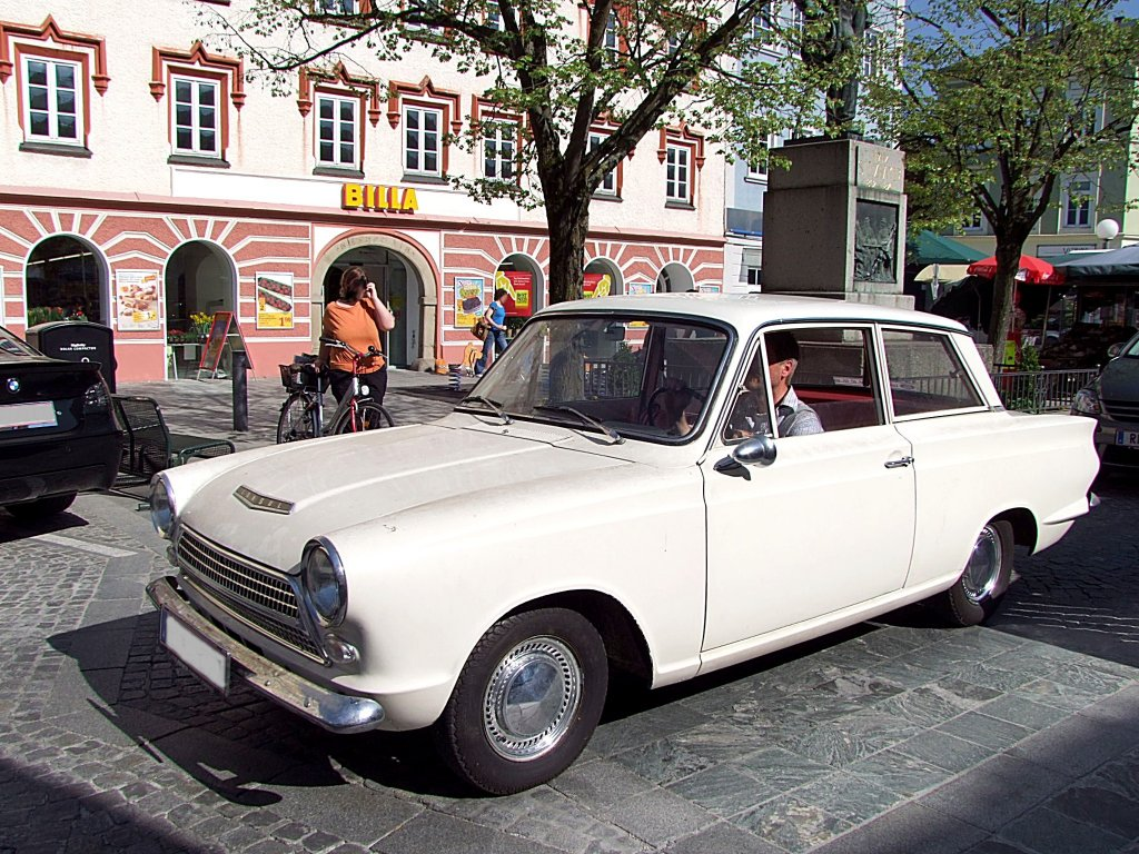 ford consul oldtimer. Posted by DEONTAE Shahriar at 9:19 PM