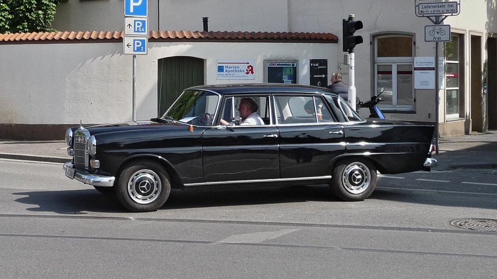 Mercedes Benz W 110 W 111 Heckflosse Limousine Fotos 2 Card