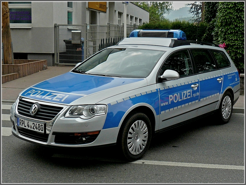 die deutsche polizei war mit diesem vw passat nach diekirch gekommen um an den feierlichkeiten. Black Bedroom Furniture Sets. Home Design Ideas