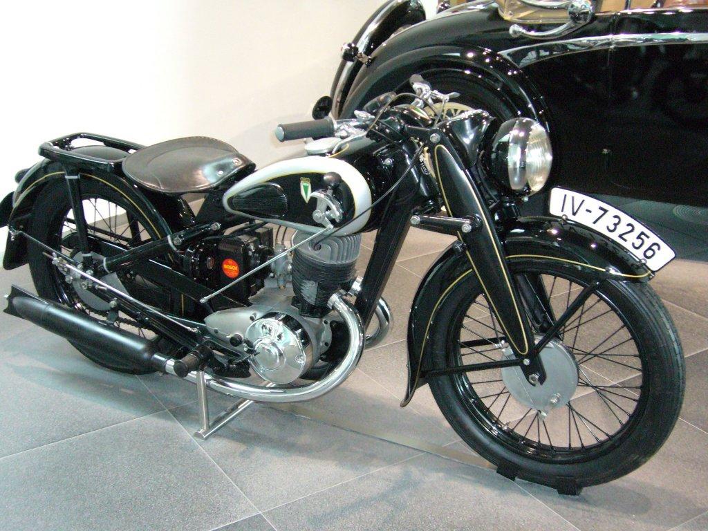 dkw nz 350 1938 1943 dieses 346 cm motorrad leistete. Black Bedroom Furniture Sets. Home Design Ideas