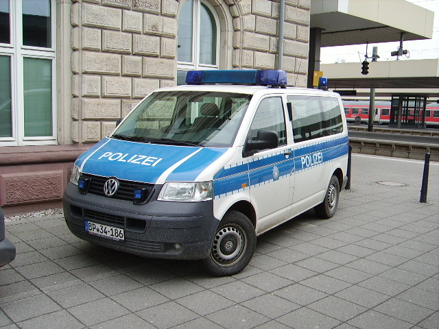 ein bundespolizei vw t5 in mannheim hbf am. Black Bedroom Furniture Sets. Home Design Ideas