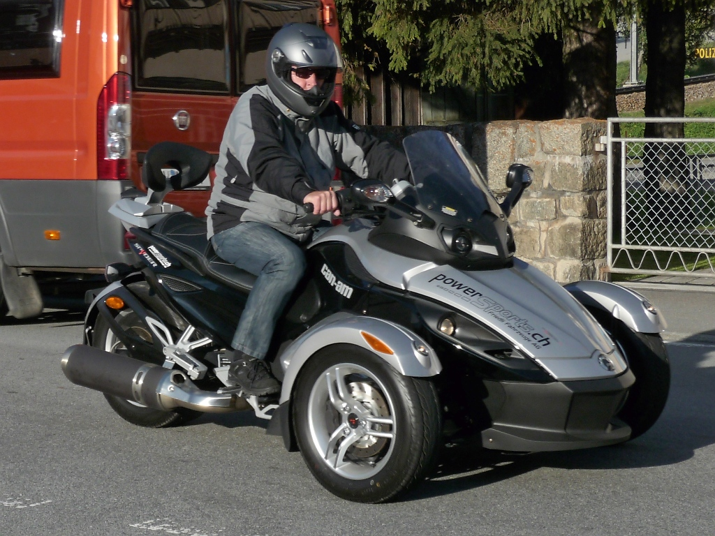 brp can am spyder rs mit rotax motor 998ccm und 106ps. Black Bedroom Furniture Sets. Home Design Ideas
