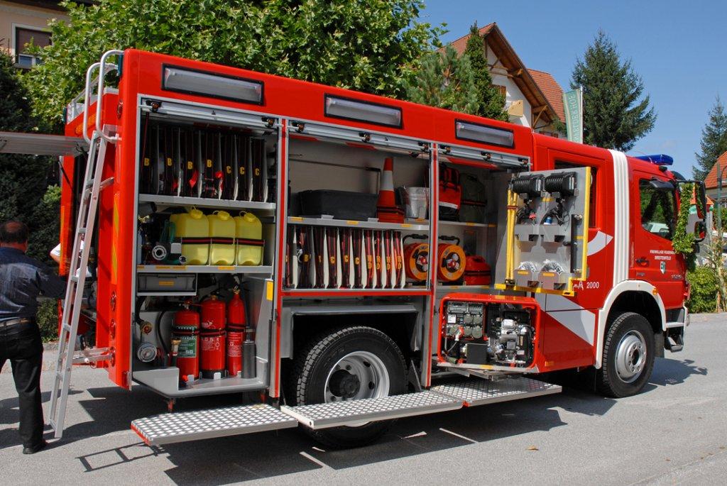Feuerwehrfahrzeuge sterreich 4 for Reihengarderobenstander gebraucht