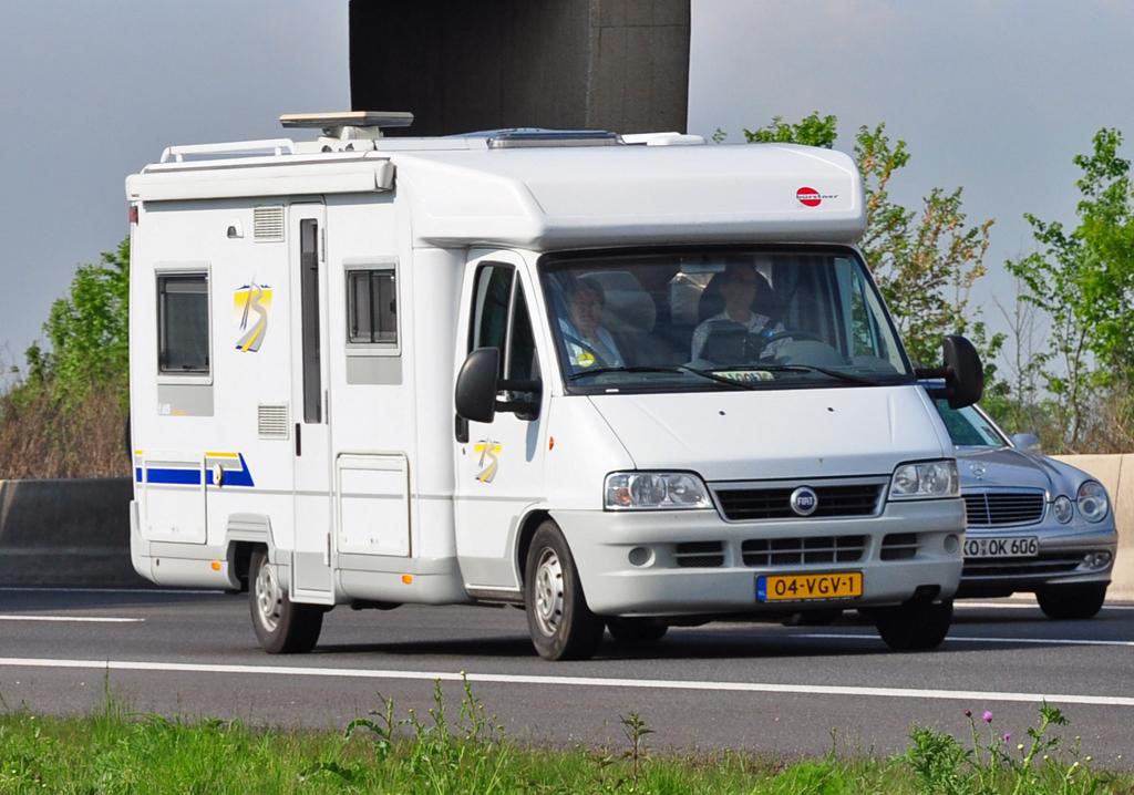 fiat 244 diesel wohnmobil aus den niederlanden auf der a61. Black Bedroom Furniture Sets. Home Design Ideas