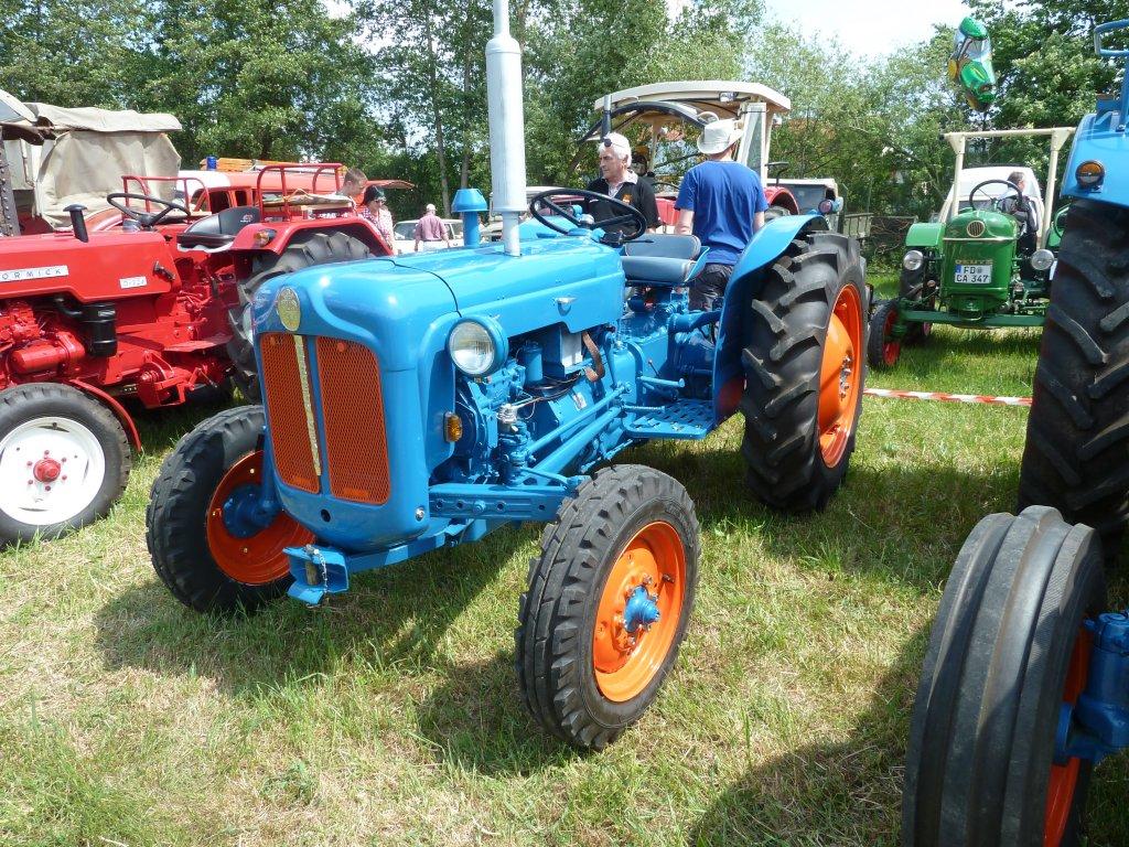 Ford Super Dexta Tractor Values : Ford dexta
