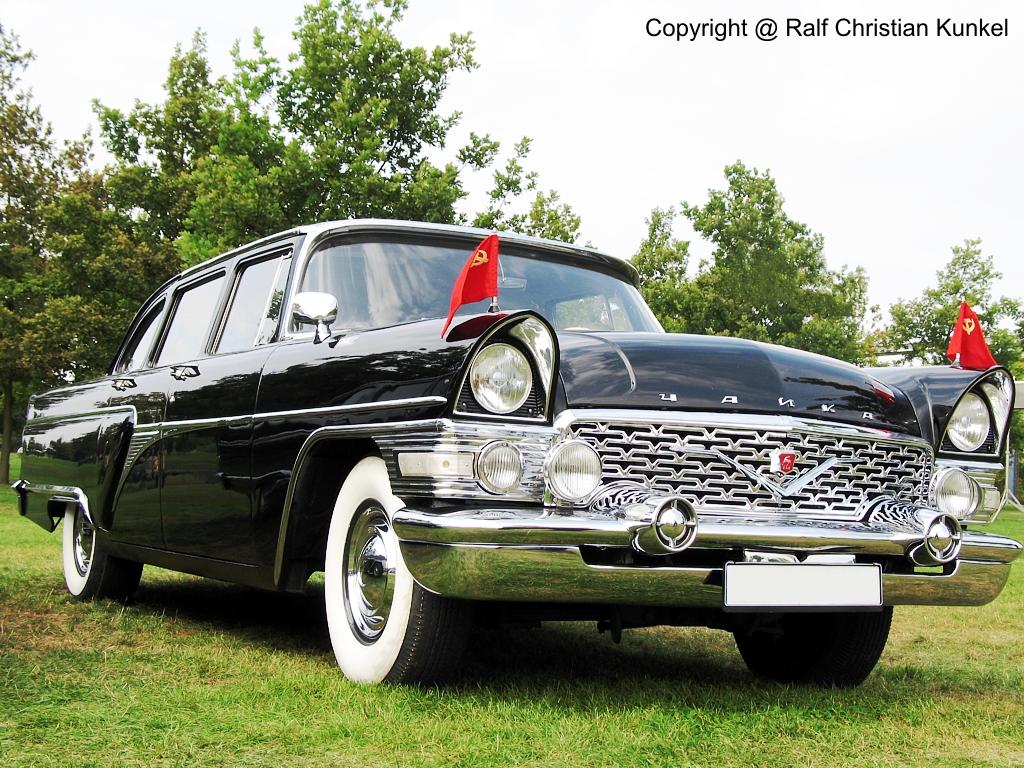 gaz 13 tschaika russische limousine der oberklasse und auf treffen immer wieder gern gesehen. Black Bedroom Furniture Sets. Home Design Ideas