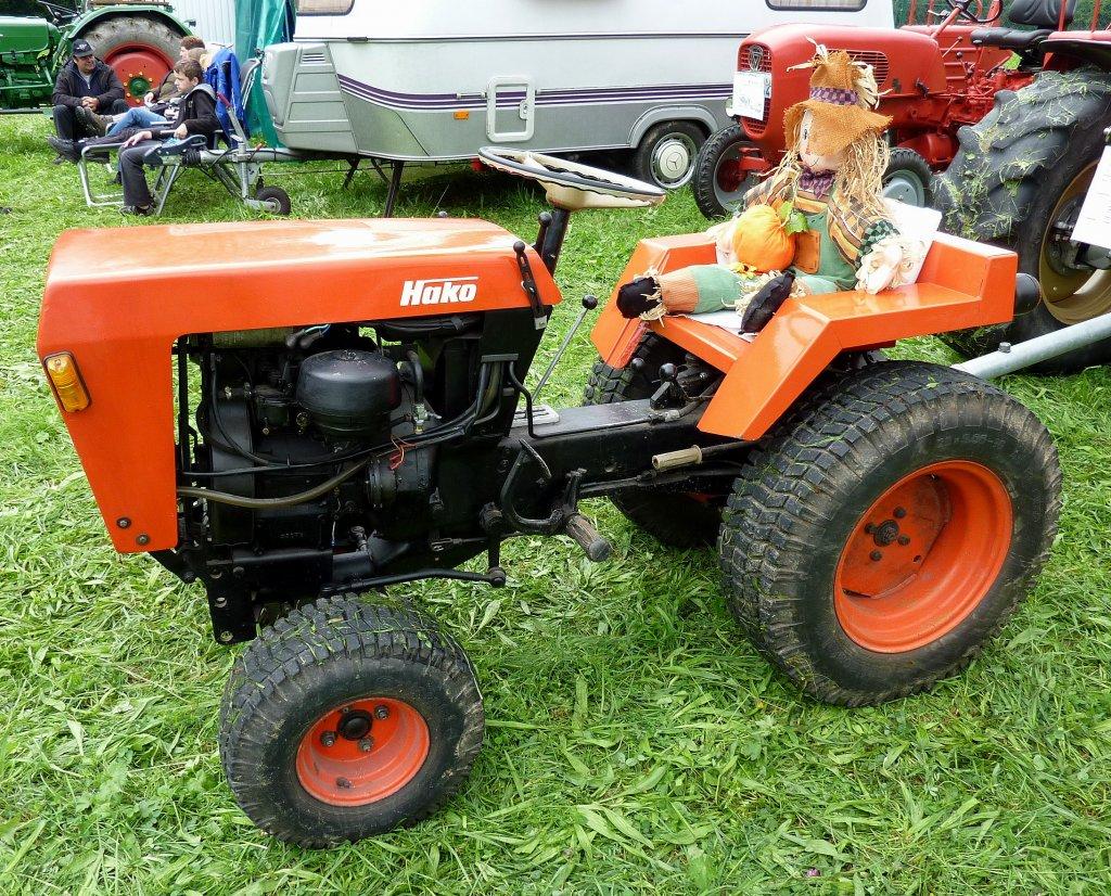 hakotrac kleintraktor mit 12ps traktorentreff oberwinden. Black Bedroom Furniture Sets. Home Design Ideas