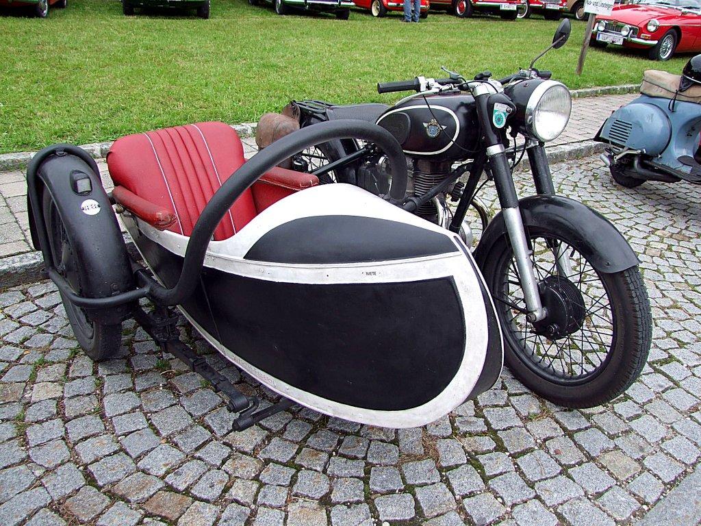 horex beiwagenmaschine bei der oldtimerveranstaltung am stehrerhof 110703. Black Bedroom Furniture Sets. Home Design Ideas