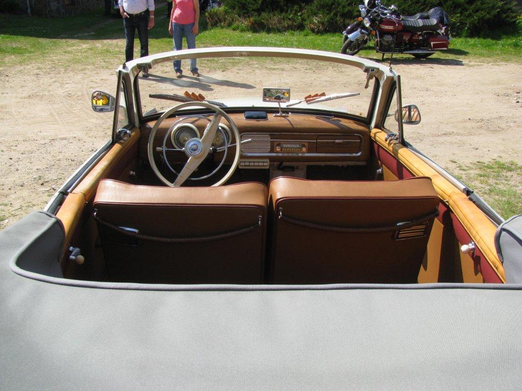 innenansicht eines cabrio wartburg 311 gesehen und. Black Bedroom Furniture Sets. Home Design Ideas
