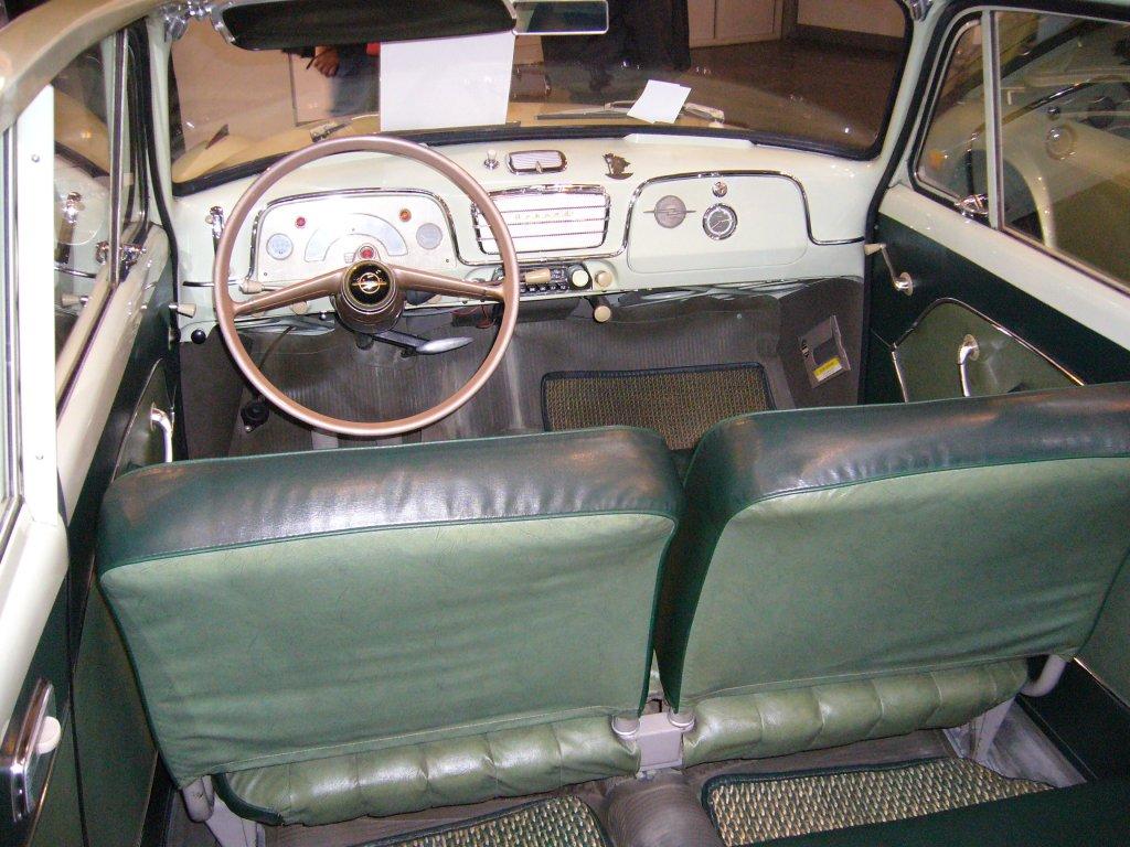 Innenraum einer Opel