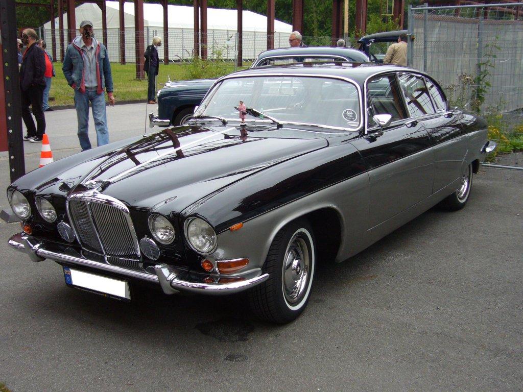Jaguar 420.