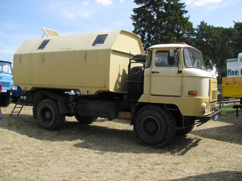 lastkraftwagen l 60 mit lak koffer beim 16 oldtimer und traktorentreffen alt schwerin meckl. Black Bedroom Furniture Sets. Home Design Ideas