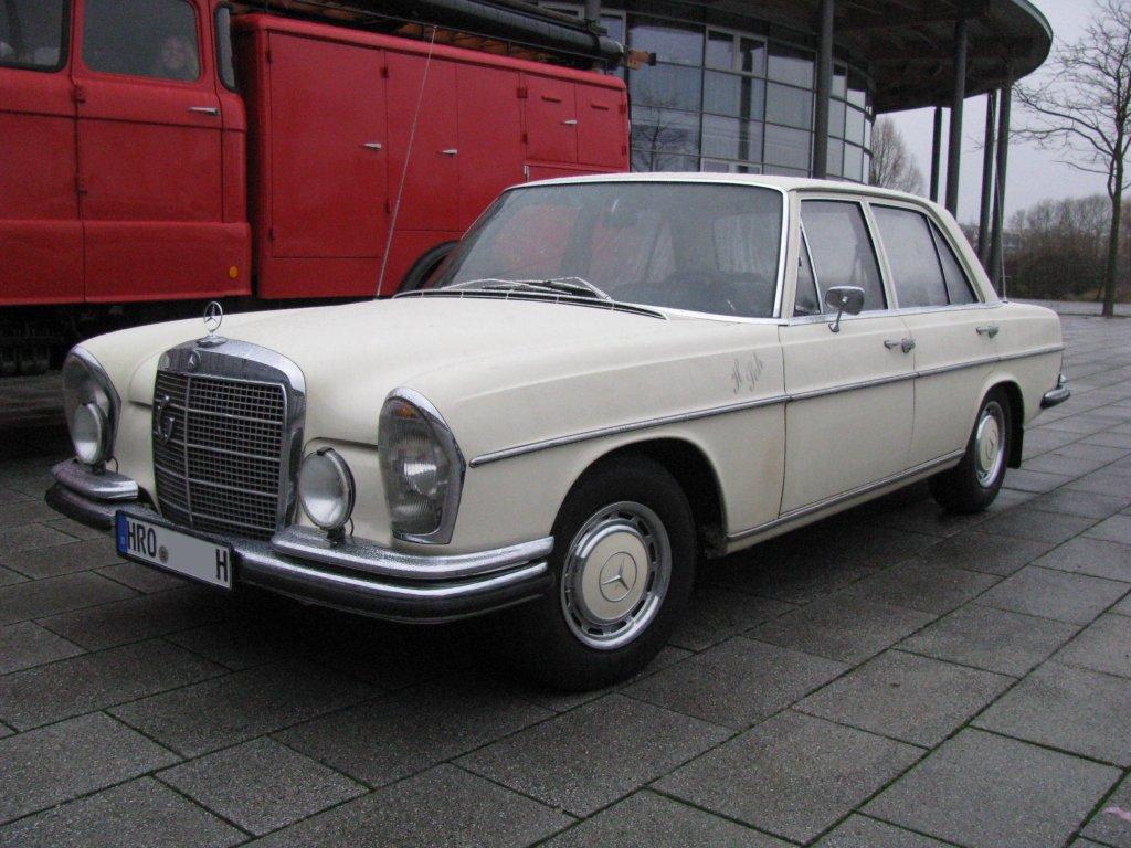 limousine mb 250 se aus der hansestadt rostock hro. Black Bedroom Furniture Sets. Home Design Ideas