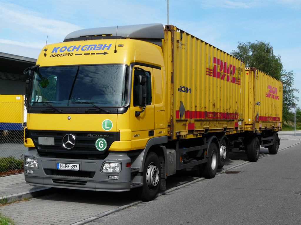 Actros 2541 von bichler transporte hat in einer for Koch transporte