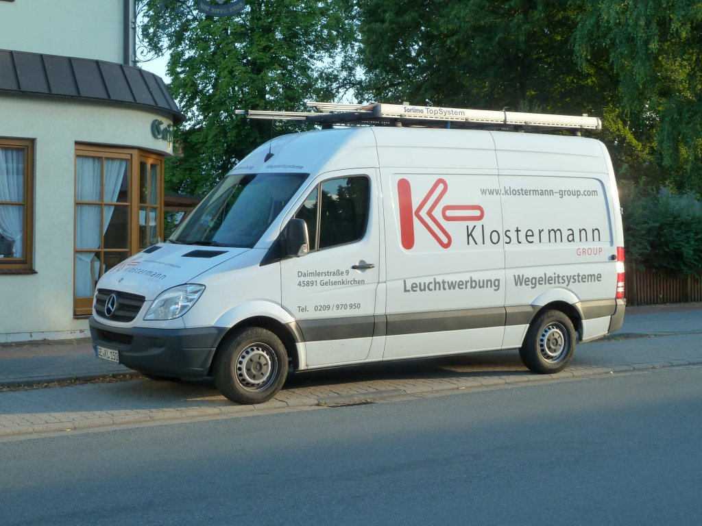 MB Sprinter der Firma  KLOSTERMANN  steht in Oyten, August 2012