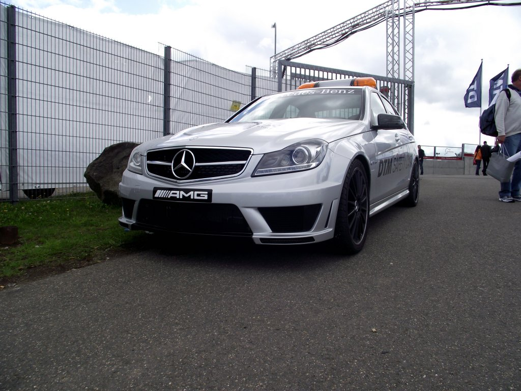 mercedes benz c klasse amg dtm safety car am auf den n rburgring. Black Bedroom Furniture Sets. Home Design Ideas
