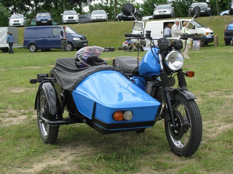 motorrad mz etz 251 mit seitenwagen beim oldtimertreffen in gnoien. Black Bedroom Furniture Sets. Home Design Ideas