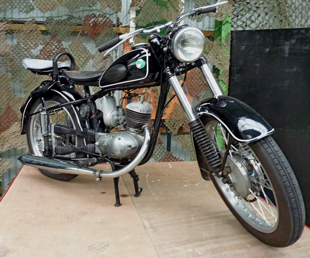 mz rt 125 reichstyp 1 zyl 2 takt motor mit 123ccm wurde von 1950 65 gebaut technik museum. Black Bedroom Furniture Sets. Home Design Ideas