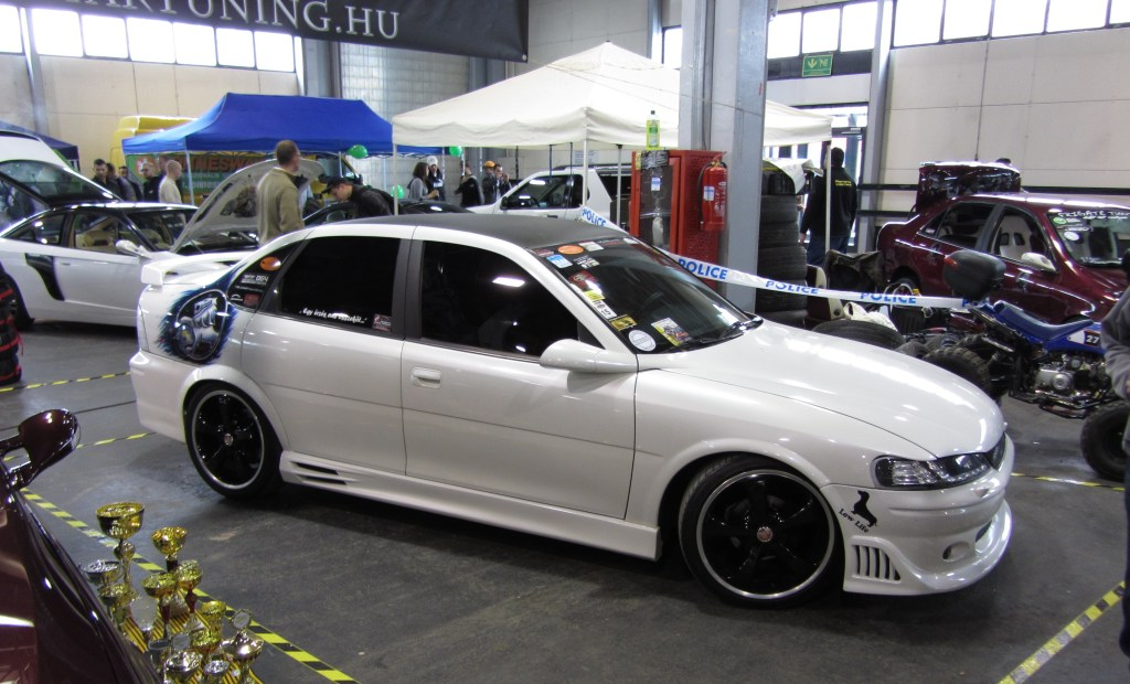 Opel Vectra C getunt. Foto: Carstyling Tuning Show 2012