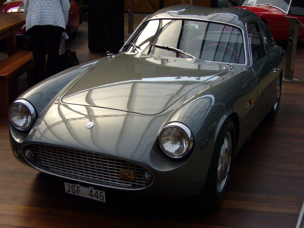 o s c a 1600 gt das auto wurde 1960 auf dem turiner. Black Bedroom Furniture Sets. Home Design Ideas