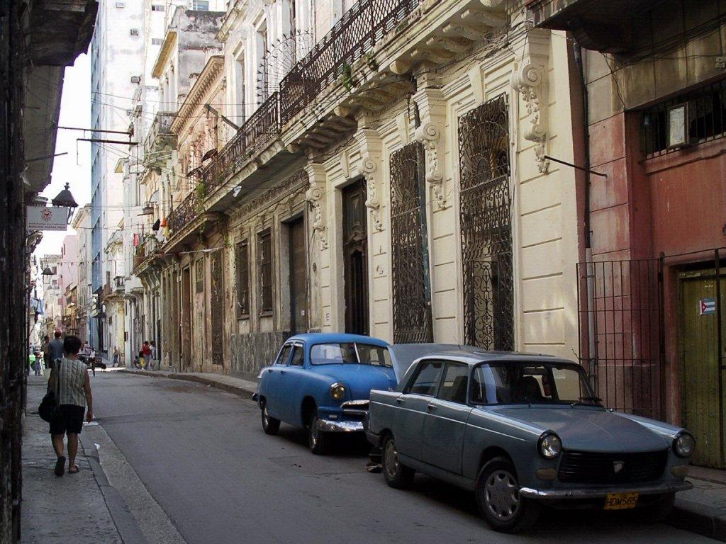 des Françaises à Cuba ! - Passion Autos Prestiges Anciennes