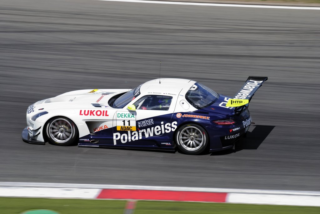 Polarweiss racing mercedes benz sls amg gt3 andreas for Mercedes benz race