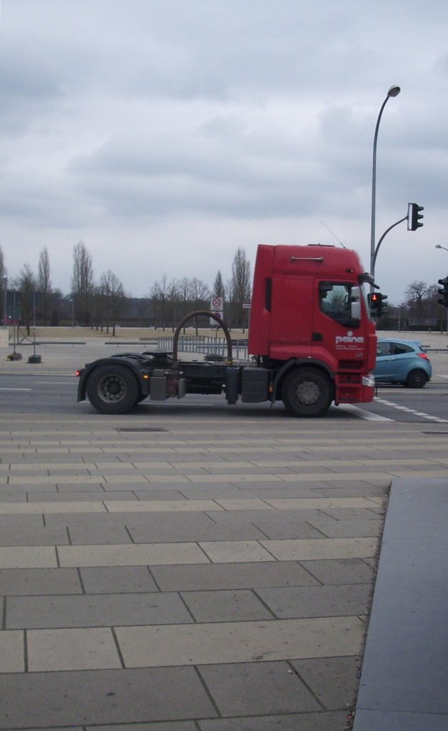 Renault Sattelzugmaschine in Potsdam am 14.03.2012