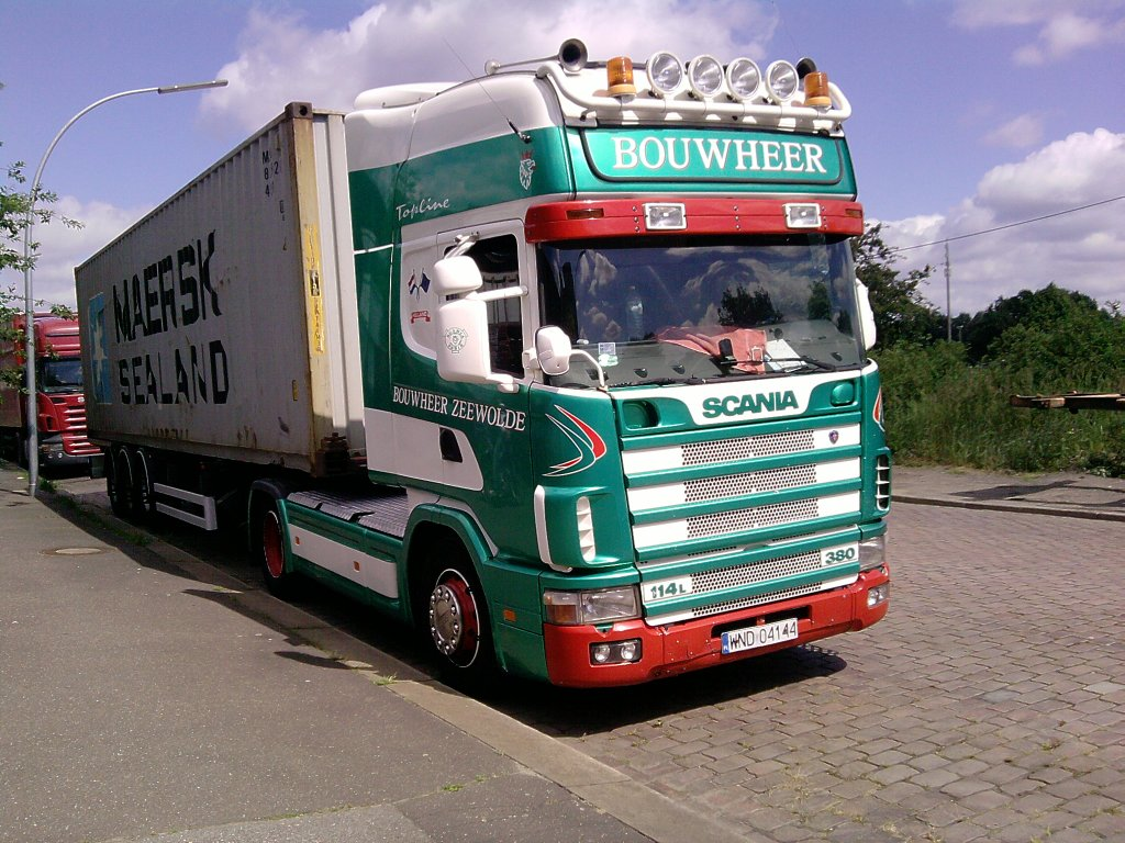 scania 114l topline mit 40 fu container fr her geh rte der lkw zur hll ndischen firma bouwheer. Black Bedroom Furniture Sets. Home Design Ideas