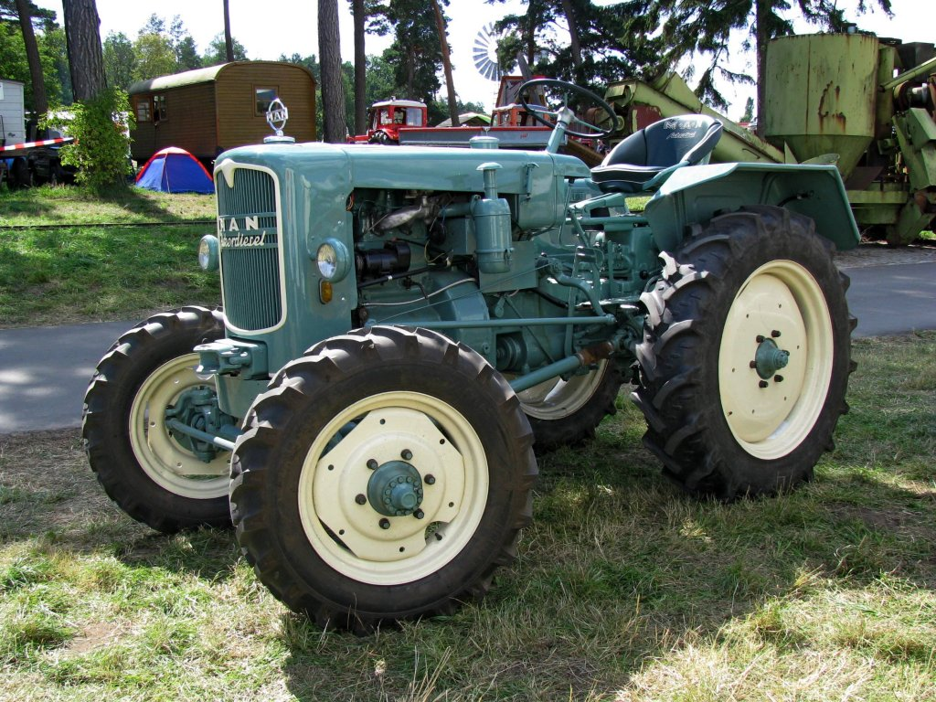 traktor man ackerdiesel fotografiert beim 18 oldtimer und traktoren treffen im agroneum in. Black Bedroom Furniture Sets. Home Design Ideas