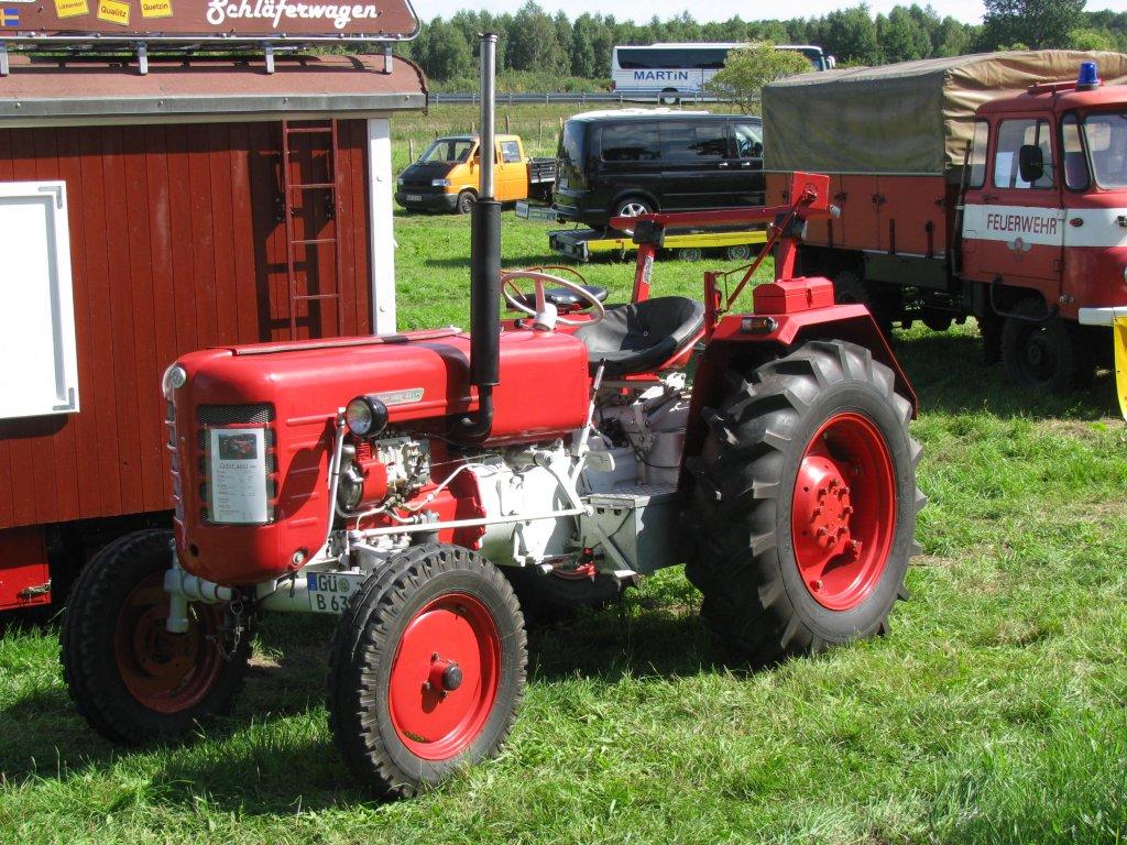 zetor traktor bilder news infos aus dem web. Black Bedroom Furniture Sets. Home Design Ideas