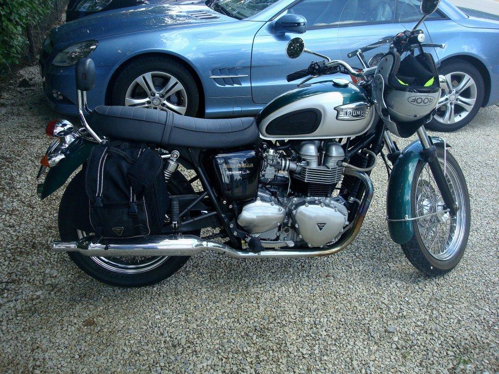 triumph bonneville motorrad im klassischen stil die modellreihe begann 1959 und wurde zur. Black Bedroom Furniture Sets. Home Design Ideas