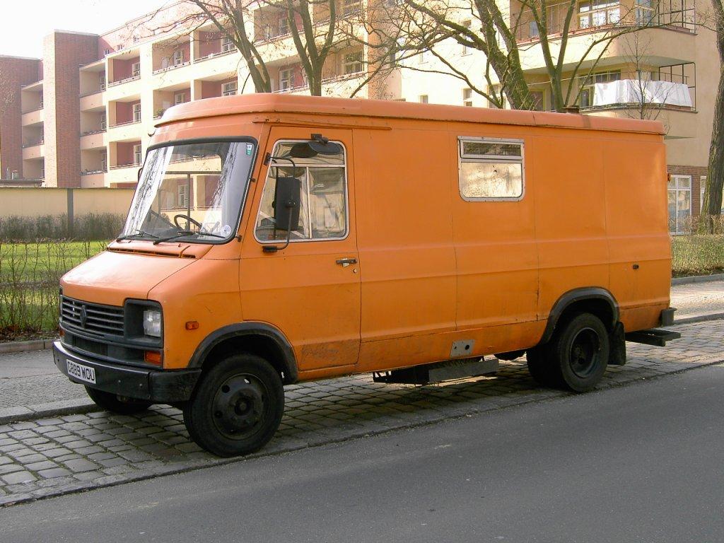 unbekannter renault transporter aus grossbritannien gesehen 07 2008 in berlin. Black Bedroom Furniture Sets. Home Design Ideas
