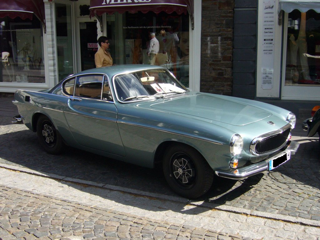 volvo p1800 s das schwedische sportcoupe ist baujahr 1964. Black Bedroom Furniture Sets. Home Design Ideas