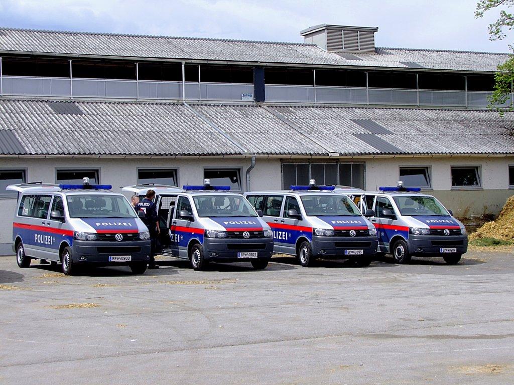 Polizeifahrzeuge 214 Sterreich Fahrzeugbilder De
