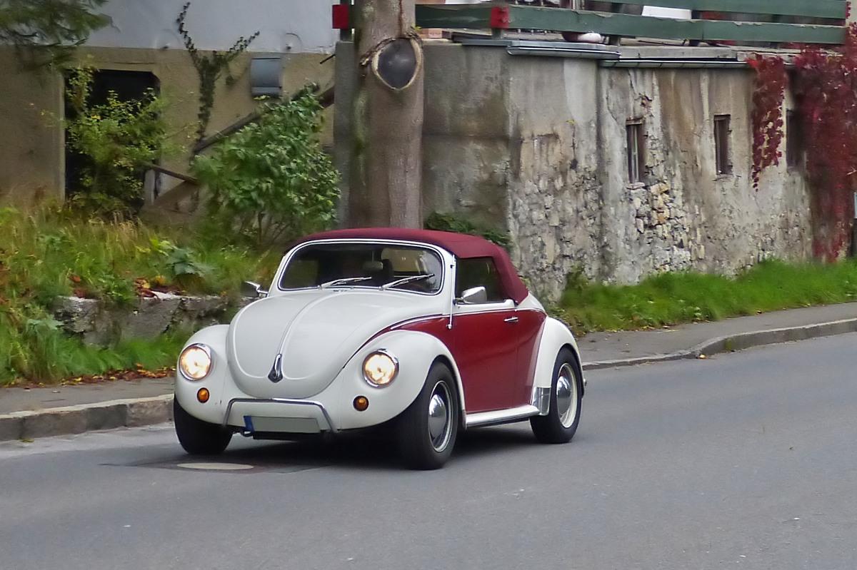 vw k fer cabrio gesehen bei einer oldtimerrundfahrt in oberbayern. Black Bedroom Furniture Sets. Home Design Ideas