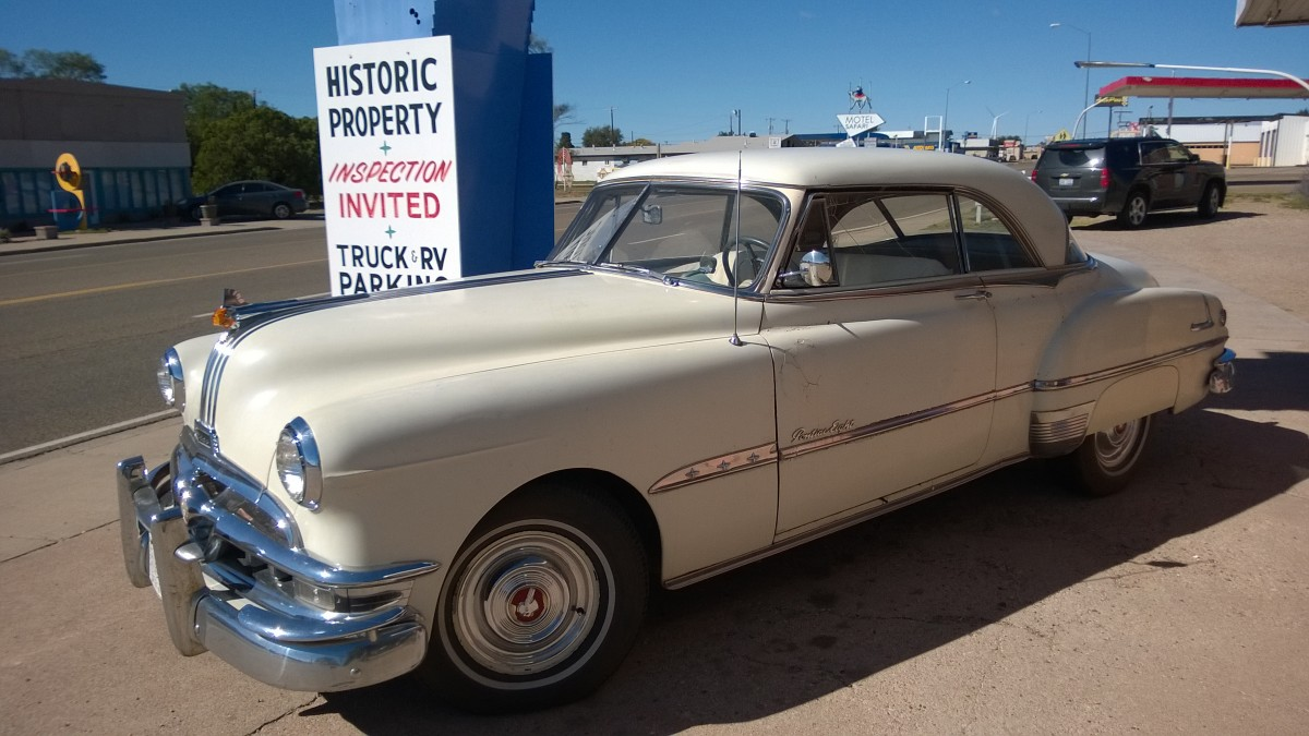 1951 Pontiac Eight in Tucumcari (NM), USA (Oktober 2014)
