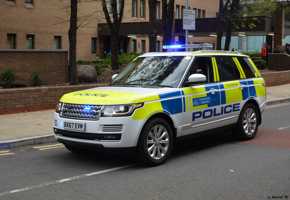 24.10.2018 / London English Grounds / Land Rover Polizei / BX67 EVM.